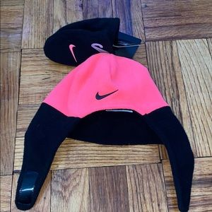 NWT Nike pink and black infant hat and mitten set